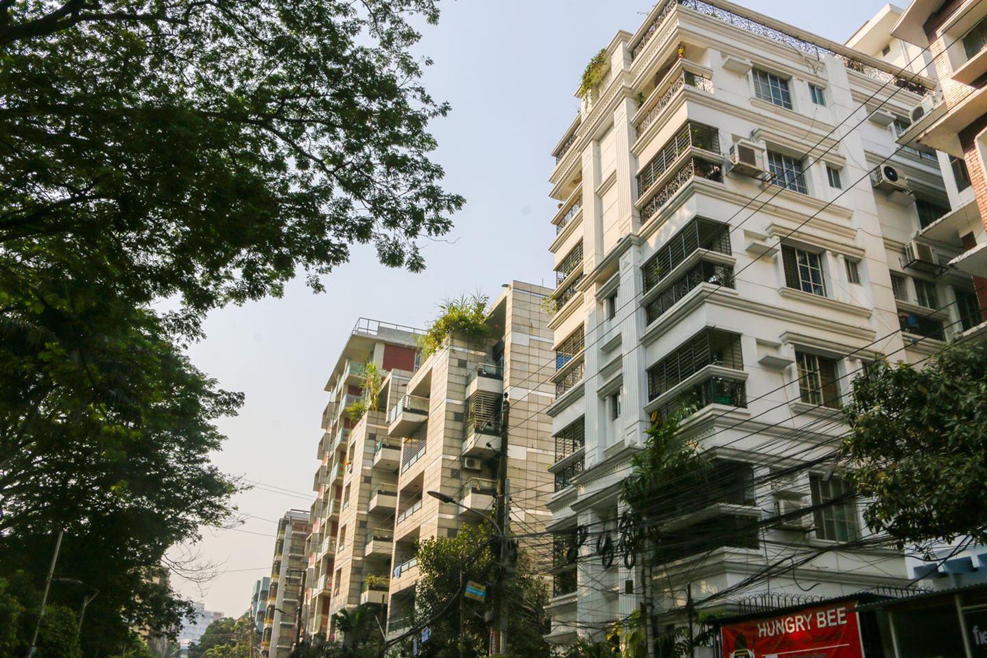 Residential buildings in Dhanmondi