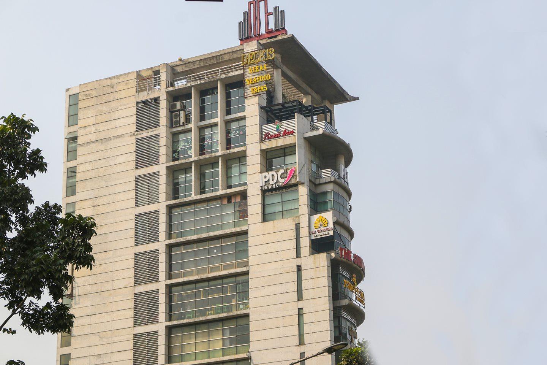 restaurant building in Dhanmondi